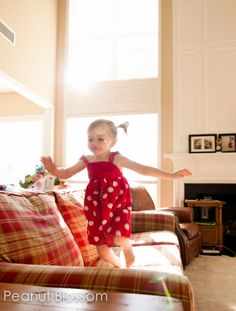 {Learn your house's golden hours} Want better pictures of your kids playing in the house? You increase your chances of a great shot by understanding where your house has the best light at each hour of the day. Peanut Blossom shares tips on how to learn your light to capture your kids in the easiest and most beautiful way possible. Try this experiment and you may find a new favorite spot!