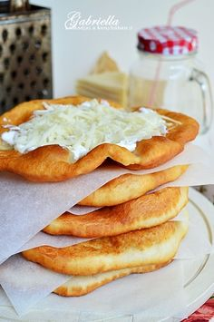 Gabriella kalandjai a konyhában :) Slovak Recipes, Hungarian Recipes, Bread Recipes, Real Food Recipes, Cooking Recipes, Appetizer Recipes, Dessert Recipes, Love Eat, Winter Food