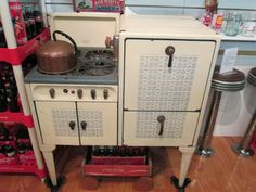 1920s or '30s Magic Chef stove with blue and white tile pattern. Never seen one like this.