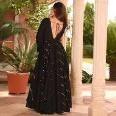 Simple Kurti Designs, Stylish Dress Designs, Fancy Blouse Designs, Designs For Dresses, Dress Neck Designs, Indian Fashion Dresses, Dress Indian Style, Designer Party Wear Dresses, Kurti Designs Party Wear