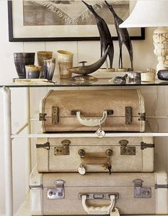 http://decorology.blogspot.com/search?updated-max=2011-03-02T12:19:00-05:00