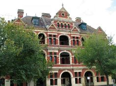 Queens Bess Row - East Melbourne by Dean-Melbourne Melbourne Architecture, Residential Architecture, Corinthian Order, Central Building, Melbourne Suburbs, Mansard Roof, Spooky House, Dormer Windows, Old Mansions