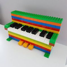 Here you see a piano made of LEGO® Duplo that we like from BRICKaddict.de… - Wall design ideas - Here you can see a piano made of LEGO Duplo by us BRICKaddict.de like Here you see a piano from LEGO - Piano, Manual Lego, Lego Moc, Lego Duplo Train, Legos, Pokemon Lego, Deco Noel Nature, Lego Therapy, Therapy Ideas