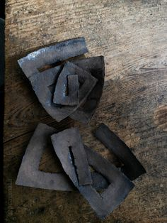 """I am complicated"" Ceramic objects, Yukiya Izumita 「複雑な人」 陶芸、泉田之也"