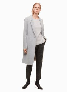 Dress them up or down — the Cohen Pant looks amazing either way. This pair is made with a blend of wool and silk that drapes beautifully and feels so luxurious against your skin — seriously, you have to feel this fabric. Consider the Cohen indispensible. Fall Winter, Winter 2017, Fashion 2017, Your Skin, Wool Blend, Casual Outfits, Normcore, Pairs, Silk