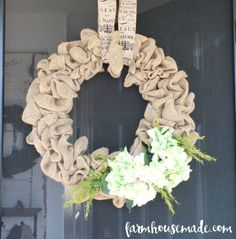 This fall wreath can be easily switched out for every season in just minutes! Perfect for my home!
