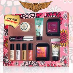 Carry on looking gorgeous with Benefit's bestsellers that prime, perfect and perk-up your complexion. These go-anywhere goodies are perfectly sized to take on any trip!