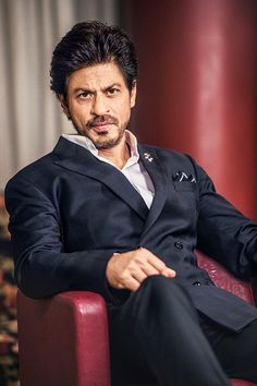 Shah Rukh Khan: If my kids love acting as much as I do, then they should be actors - Times of India Shahrukh Khan And Kajol, Ranveer Singh, Salman Khan, Ranbir Kapoor, Indian Celebrities, Bollywood Celebrities, Richest Actors, Srk Movies, Best Hero