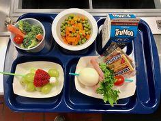 ❤ #DrSeussDay and #ReadAcrossAmerica in @SchoolLunch and @BreakfastClsrm FUN today ❤ creativity in POPs #greeneggsandham #eggpops + #grinch #fruit pops! THX Staunton VA School Nutrition @VDOE_SNP @NoKidHungryVA @FirstLadyVA @andrea_early2 @eggsinschools @dairy_alliance Cafeteria Food, Dr Seuss Day, Fat Free Milk, Merchandising Ideas, Green Eggs And Ham, School Lunch, Lunch Ideas, Grinch, Toddlers