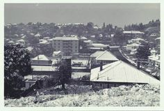 Snow in Johannesburg August 1962 Jackal, Juno Streets, Kensington. Johannesburg City, My Family History, Historical Pictures, African History, Back In The Day, Old Pictures, San Francisco Skyline, South Africa, Landscape Photography