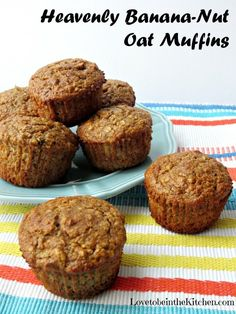 Heavenly Banana-Nut Oat Muffins- Skinny, tasty muffins full of fiber and protein. The perfect healthy snack! Milk Recipes, Ww Recipes, Muffin Recipes, Dessert Recipes, Skinnytaste Recipes, Desserts, Banana Recipes, Kitchen Recipes, Recipes Dinner