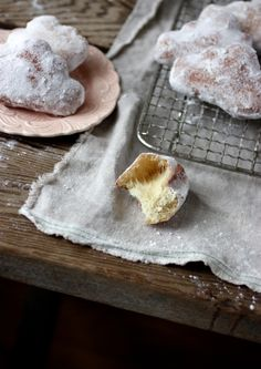 "Or even better, these doughnuts in the doily holder. How cute. Do an entire ""Cloud 9"" for the rest of our lives theme.  LOL"