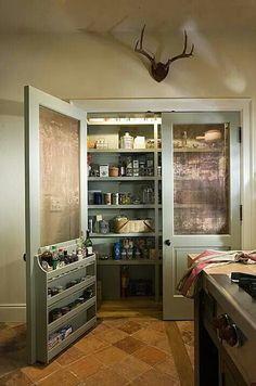 Screen door for a pantry door. Storage in door is such a smart idea!