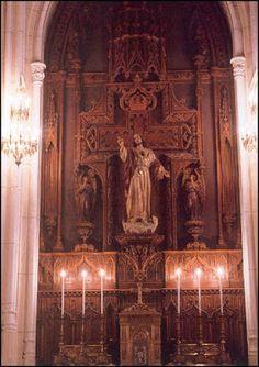 Altar al Sagrado Corazón de Jesús.