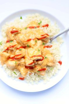 Instant Pot Bang Bang Chicken--a low carb Instant Pot version of bang bang chicken. It's got all that delicious flavor that you love from bang bang sauce but it's not breaded and fried. It tastes great served over cauliflower rice. Instant Pot Pressure Cooker, Pressure Cooking, Pressure Cooker Recipes, Slow Cooking, Chicken Main Course Recipes, Chicken Recipes, Bang Bang Chicken, Ip Chicken, Chicken Tenders