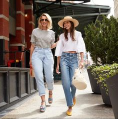 25 Inspired Picture of Simple, Comfy And Chic Outfit Ideas With Jeans . Simple, Comfy And Chic Outfit Ideas With Jeans Easy Summer Outfit Ideas Popsugar Fashion Summertime Outfits, Simple Summer Outfits, Summer Fashion Outfits, Summer Outfits Women, Spring Outfits, Simple Ootd, Casual Chic Outfits, Girly Outfits, Trendy Outfits