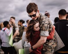 Marine and Wife reuniting at their homecoming after a long deployment at Marine Core Air Station Miramar with VMFA 225 by Morning Owl Fine Art photography San Diego. Military Homecoming Pictures, Military Couple Pictures, Military Couples, Boyfriend Pictures, Military Love, Army Love Photography, Couple Photography, Art Photography, Marine Boyfriend
