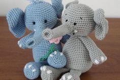 Handmade Toys, Crochet Toys, Hello Kitty, Dinosaur Stuffed Animal, Teddy Bear, Knitting, Animals, Amigurumi, Bebe