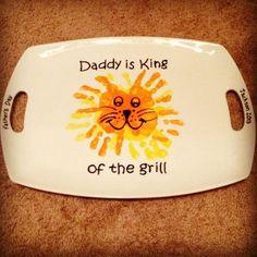 Great DIY Father& Day gifts from kids - Amz Dego- Tolle DIY Vatertagsgeschenke von Kindern – Amz Dego Great DIY Father& Day gifts from kids – cool ideas - Diy Father's Day Gifts, Father's Day Diy, Craft Gifts, Cute Gifts, Baby Crafts, Toddler Crafts, Crafts For Kids, Baby Handprint Crafts, Footprint Crafts