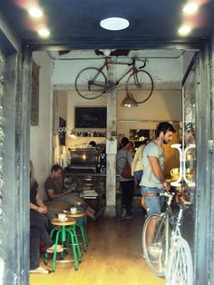 Best coffee in town Brew Pub, Bar Madrid, Deco Cafe, Food Business Ideas, Coffee Cafe, Coffee Shops, Love Cafe, Coffee Places, Rustic Restaurant