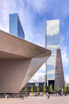 One Day - The Best Itinerary If You Only Have One Day in Rotterdam Modern architecture of Centraal Station and glass office buildings Rotterdam Architecture, Amazing Architecture, Modern Architecture, Modern Buildings, Office Buildings, Glass Office, Amsterdam Canals, City Break, Day Trip