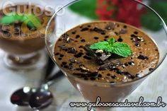 Sem ideias para um docinho? A sugestão é a Mousse de Chocolate Amargo com Café! Leve, saborosa e super fácil de preparar, não tem erro!  #Receita aqui: http://www.gulosoesaudavel.com.br/2013/03/15/mousse-chocolate-amargo-cafe/