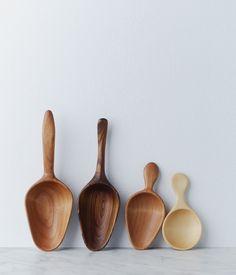 flour + sugar scoops at Herriot Grace - Wooden spoons! Kitchen Utensils, Kitchen Gadgets, Kitchen Tools, Carved Spoons, Kitchenware, Tableware, Wood Spoon, Wooden Kitchen, Cuisines Design