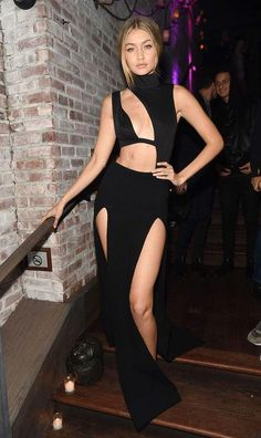 Let's talk Gigi Hadid's sexy look. Can you believe that's a TOP worn as a skirt and a bodysuit layered underneath? Click for full details