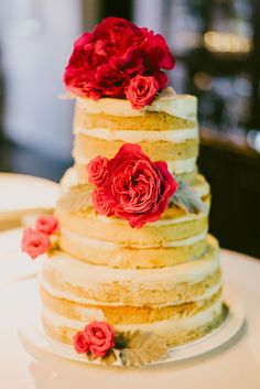 Elisha and Tony wed in a beautiful wedding at Alkaff Mansion, expertly styled and decorated with bright flowers and ornate elements by Fiona Treadwell. Wedding Desserts, Wedding Cakes, Take The Cake, Bright Flowers, Dessert Table, Table Centerpieces, Vanilla Cake, Lush, Naked