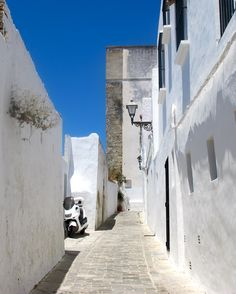 white-washed walls of vejer de la frontera, spain.