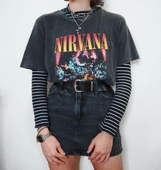 outfit inspo High waisted jeans nostalgia high waist skirt Mom jeans n roll School outfits fashion outfits style outfits Vintage outfits Retro Outfits, Vintage Outfits, Edgy Outfits, Mode Outfits, Fashion Outfits, Fashion Fashion, Fashion Clothes, Style Clothes, 80s Style Outfits