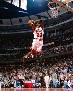 Slam Dunk - Michael Jordan 23 - Chicago Bulls : Air Jordan - A Great Slam  Dunk