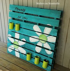 Another great pallet idea - a DIY Pallet Sign and Garden Planter All In One