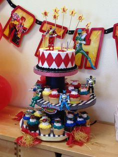 Power Ranger Dino Charge Cake and cupcakes