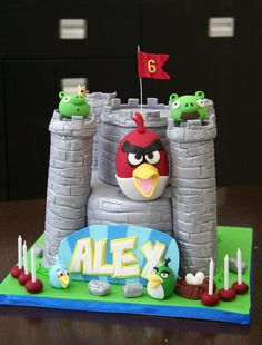 Angry Birds Birthday Cake - Fort Depiction