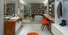 Closets e banheiros integrados maravilhosos - confira essa tendência!