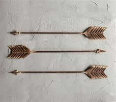 This item has been selected from Bre Doucette's Rooms For Rent Collection!  This rustic set of arrows went straight to our hearts and have quickly become our very best selling Painted Fox treasures. Hand crafted from metal with a great rusty brown finish. Sold as a set of three...so you can display them stacked or lined....or in some farmhouse fab way that we haven't even thought of...and if you do that...be sure to send us a picture, so we can add it to the listing!  Metal Farmhouse Arrows…