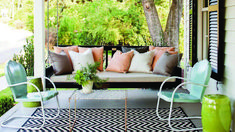 Farmhouse Renovation Outdoor Living Spaces-See Video…Love the farmhouse table for family dinner on the side porch. Farmhouse Renovation Outdoor Living Spaces-See Video…Love the farmhouse table for family dinner on the… Farmhouse Renovation, Farmhouse Design, Farmhouse Front, Farmhouse Ideas, Farmhouse Style, Cottage Style, Modern Farmhouse, Outdoor Rooms, Outdoor Living