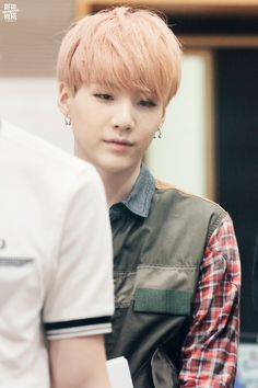 Why does SUGA look so gosh damn beautiful/handsome!!!! ???? ;.;