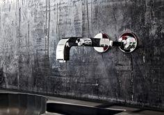 Black #kitchenwall by KREADIANO #walldesign #wallcovering #kalkputz #limeplaster
