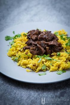 Geelrys Yellow Rice Easy South African Dinner recipes that make the perfect comfort foods. These traditional South African food dishes and side dishes are simply too delicious to miss. South African Dishes, South African Recipes, Mexican Food Recipes, Dinner Recipes, Breakfast Recipes, Dessert Recipes, Mutton Curry Recipe, Healthy Lunches For Work, Lamb Stew