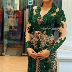 Vera Kebaya - maybe I should I go for white and green embroidery
