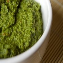 Thai Green Curry Paste Recipe - The ideal Thai paste which can be stored up to three months. Curry Vert Thai, Easy Thai Green Curry, Thai Green Curry Paste, Green Thai, Green Chilli, Indian Veg Recipes, Asian Recipes, Ethnic Recipes, Kerala Recipes