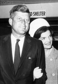 John and Jacqueline Kennedy Jacqueline Kennedy rests her head on husband John F. Kennedy's shoulder, after his arrival into New York to campaign as the presidential candidate.  Date Photographed:July 14, 1960.❤✽❤❁❤❤✽  http://en.wikipedia.org/wiki/United_States_presidential_election,_1960