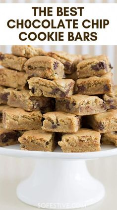 Need a quick dessert? And don't have time to make cookies? You'll love The Best Chocolate Chip Cookie Bars recipe. Make 2 dozen in 30 minutes. Baking Recipes, Cookie Recipes, Dessert Recipes, Baking Pan, Bar Recipes, Baking Soda, Recipies, Homemade Chocolate, Chocolate Recipes