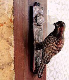 Creative door knobs Wooden Door Knobs, Old Wooden Doors, Antique Doors, Vintage Doors, Door Gate, Door Knockers, Knock Knock, Front Porch, Curb Appeal