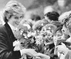 1986-08-27 Diana at Roxburghe House Hospice in Dundee, Scotland