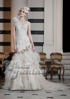 Ian Stuart 2016 wedding dresses featured sequined lace, scattered petals, fluid chiffon, exquisite tulle, dreamy organza and beautiful floral embroidery. Ian Stuart, 2016 Wedding Dresses, Bridal Dresses, Wedding Gowns, Dresses Uk, Steampunk Wedding Themes, Lace Ball Gowns, Bridal Beauty, Brides And Bridesmaids