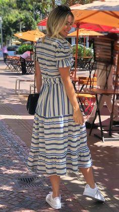 Vestido Midi Mix de Listras no Linho Summer Dress Outfits, Girly Outfits, Modest Outfits, Modest Fashion, Stylish Outfits, Fashion Dresses, Beautiful Casual Dresses, Simple Dresses, Nice Dresses