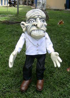 Doutor Estica-Osso, marionete do espetáculo Contos da Floresta(2010)